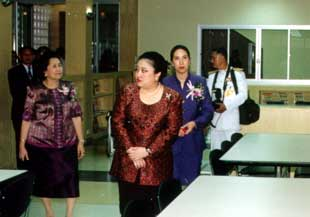 HRH Somsawali inspects new rooms